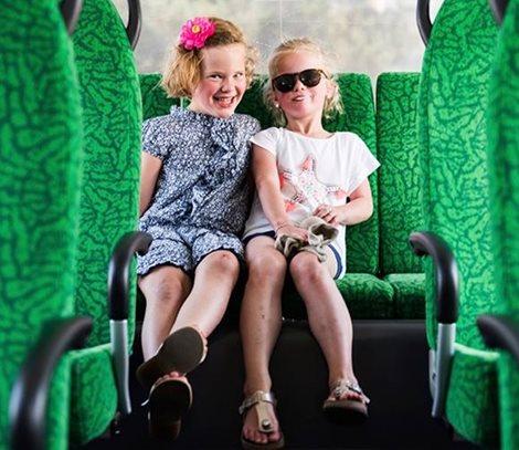 Kleinkinderen reizen gratis mee in juli!